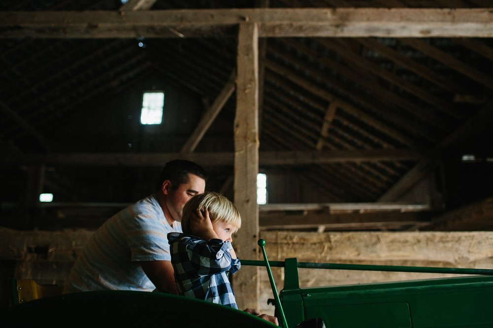 KellyLappPhotography_documentaryfamilyphotography_farmlife_06.JPG