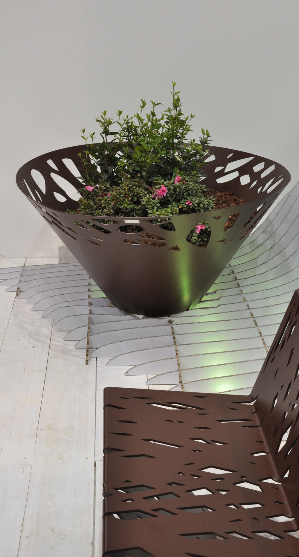 Crossed planter<sup><small><small>®</sup></small></small>