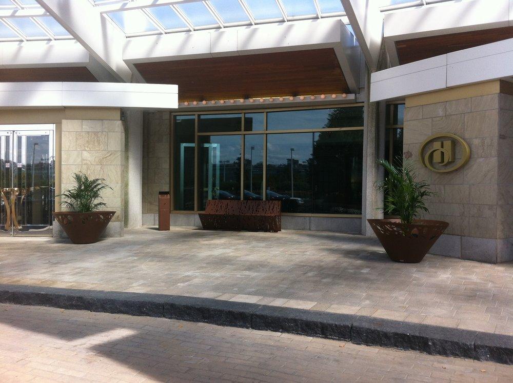 Hôtel Hilton, Casino Lac Leamy sept 2014.jpg