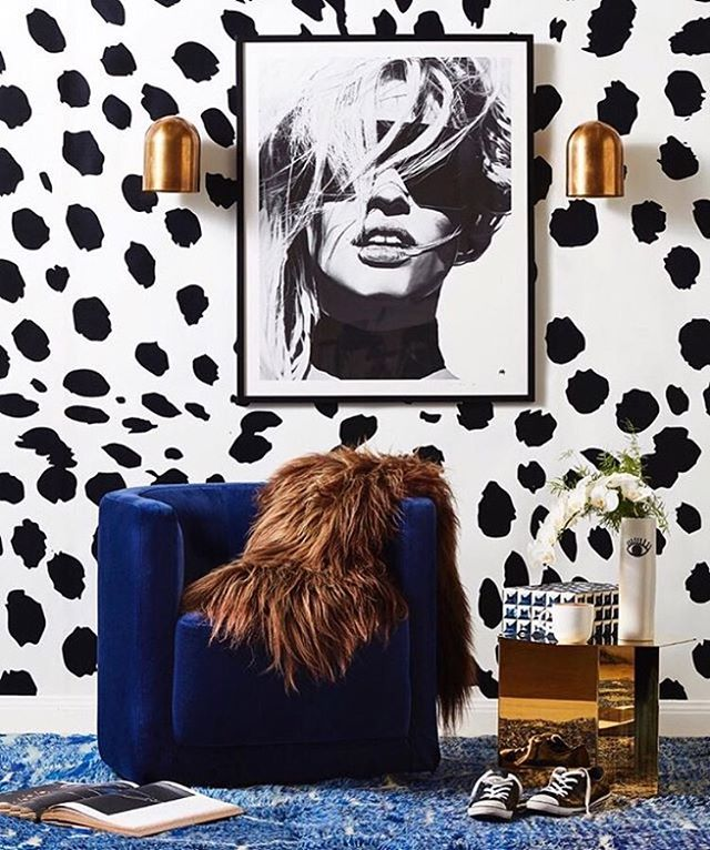 Love love love this shoot for RealLiving mag as styled by @corina_koch_stylist ...👊🏼😍! Our duomo wall sconce has found perfect harmony in the space, shown here in Whiskey brass. Thanks 📷 @pabmartin #nzdesign