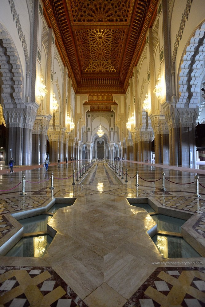 hassan II mosque interior - aete.jpg