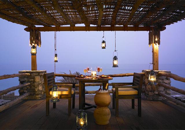 640x450_romantic_dinner_villa_balcony1_h.jpg