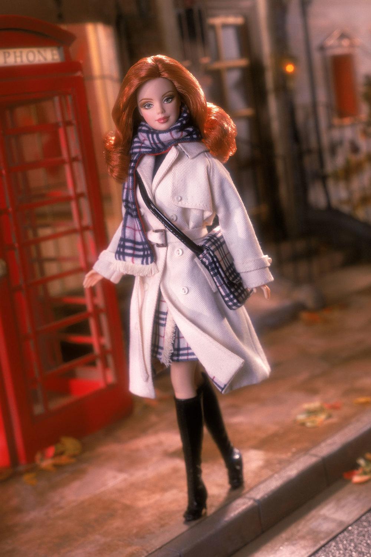Barbie_2001Burberry_V_7jan09_PR.jpg