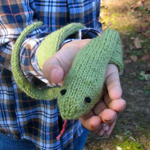 knittingpattern-snake.jpg