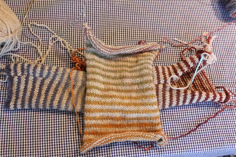 Striped Freia mitts
