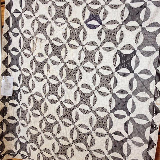 2 of 2 : quilt. #vintagequilt #visiblemending #bereaartscouncil
