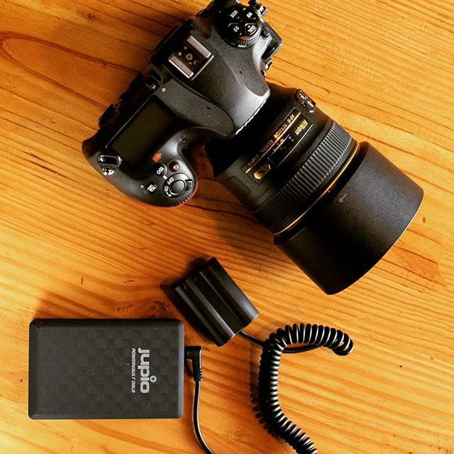 Jupio PowerVault DSLR powers the Cameras for almost 3 times longer than the regular battery.  Photo : @aditya10292  #jupio #powerbank #batterypower #poweryourcamera #hasselfreeshooting #lithiumion @photoquipindia @contactmaheshnair #powervaultdslr