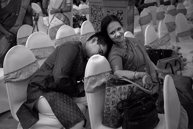 Some Candid moments from a Wedding. Used a Fuji XT-3 for a change. Yes.. After very many years! Found it perfect for these kind of situations. Especially B&Ws, in a very photo-journalist style.  #xt3 #fujixt3 #fujifilm #fujixt3wedding #candidmoments #blackandwhite #photography #shootfromthehip #weddingphotography #oldschool #photojournalism @raman.jpa @fujifilmxindia @ashwinijoshi07