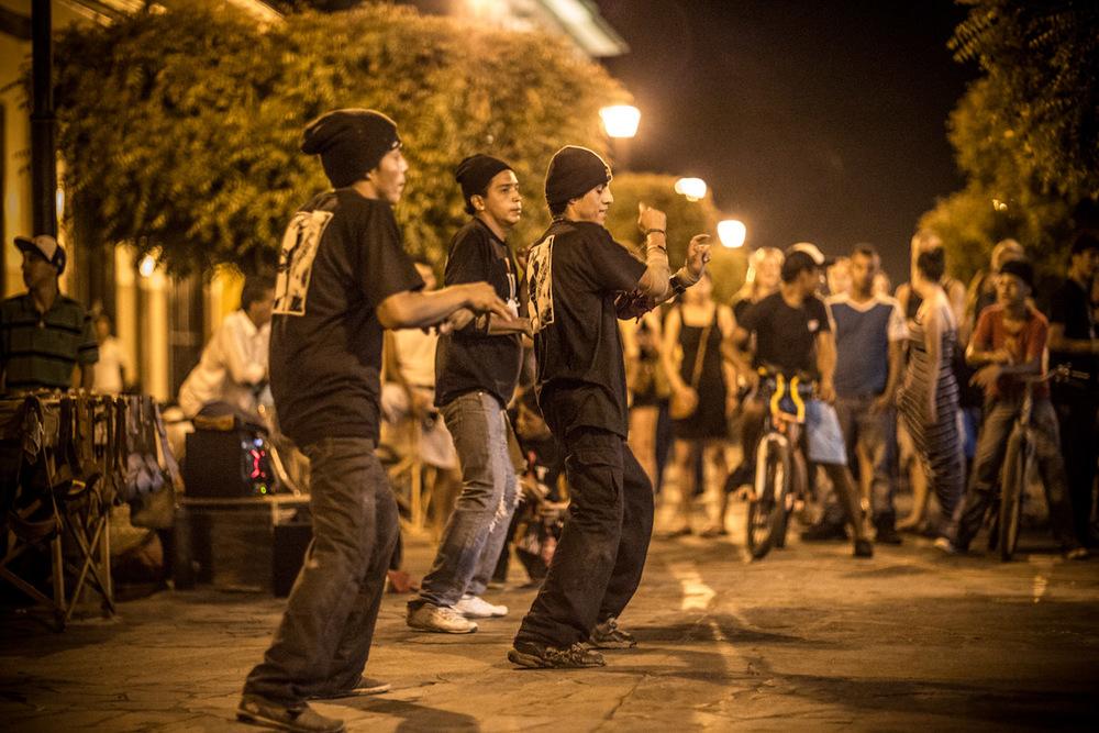 Night life in Granada, Nicaragua. Street performance.