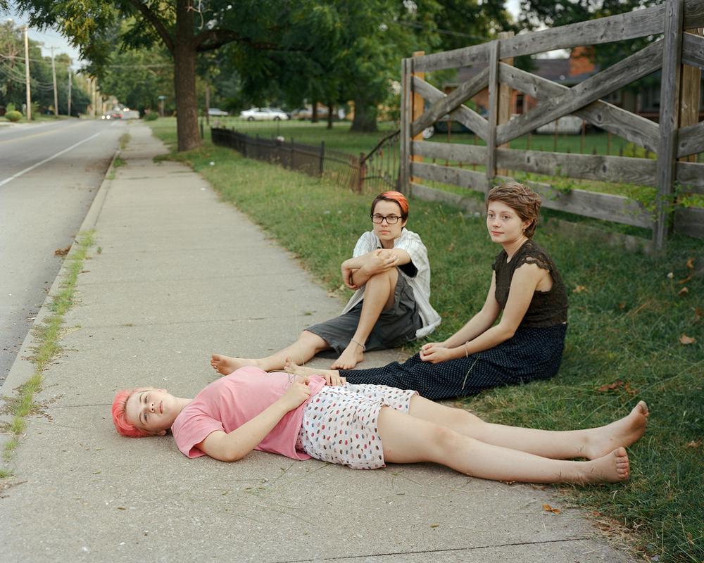 GirlsSidewalk