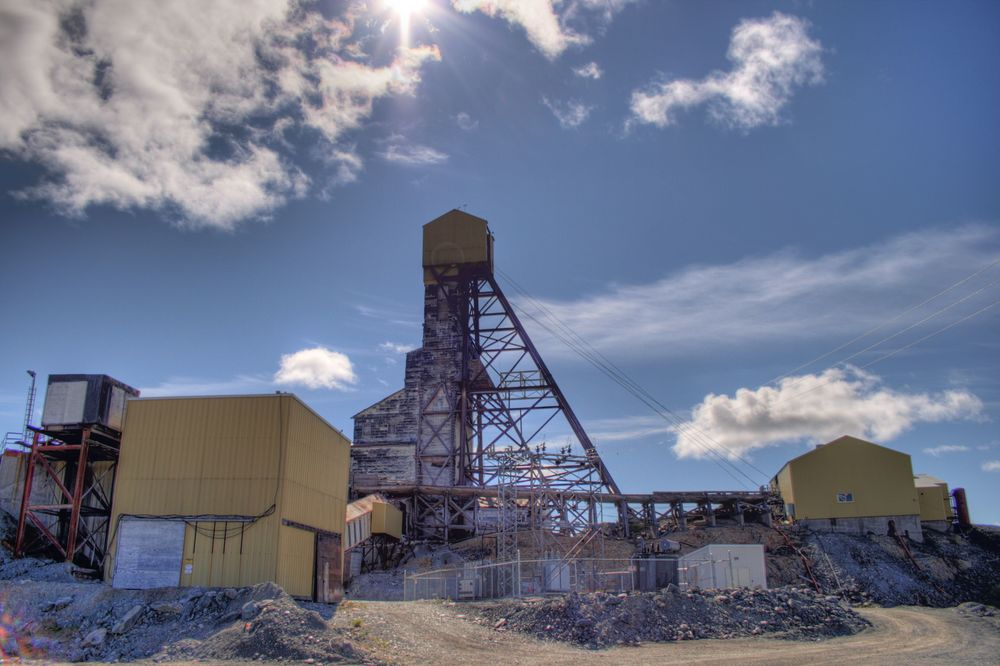 Mine_Building_Giant_Mine_Yellowknife_Northwest_Territories_Canada_12.jpg