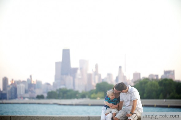 Family with Chicago skyline