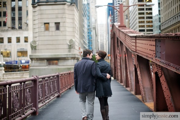 Couple on Chicago bridge photography