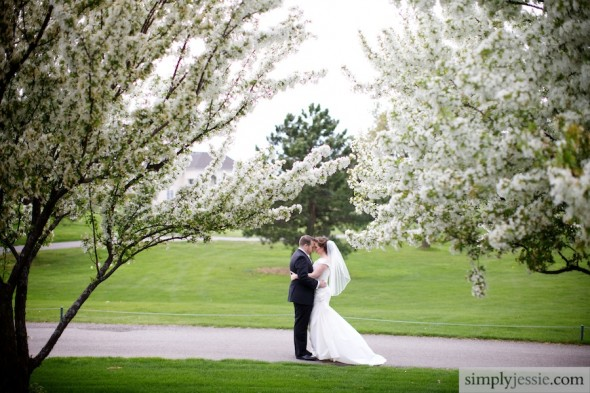 White flowering trees & wedding photography