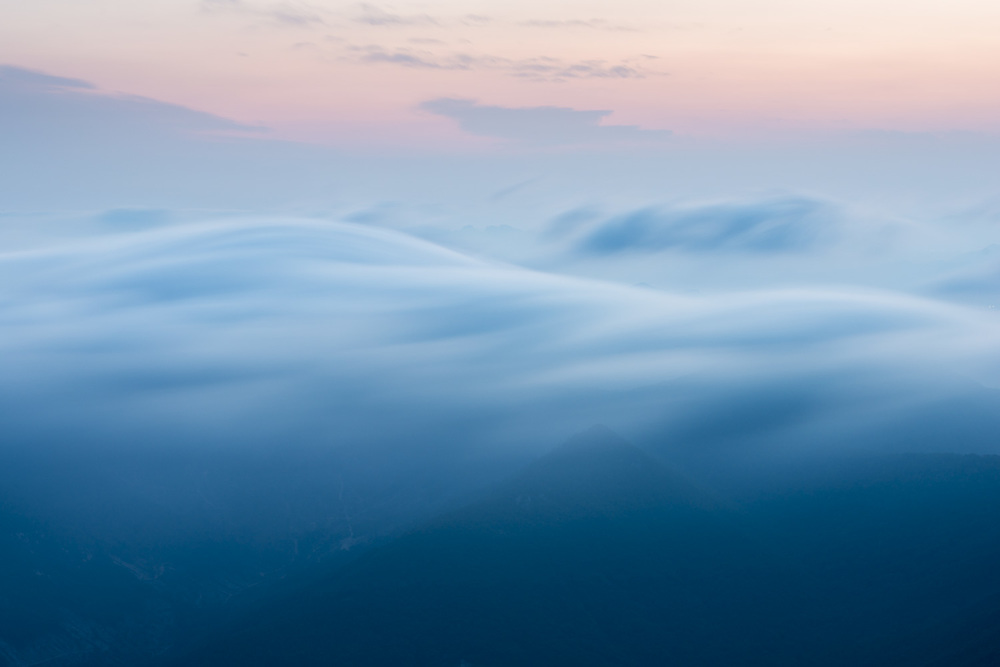 This is a long exposure of the clouds forming.
