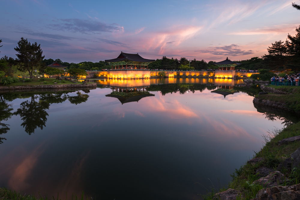 Anapji Pond is a must-see in Gyeongju. It is was constructed as part of the SIlla palace complex in 674 A.D. and is best viewed in the evening when the stone walls light up.