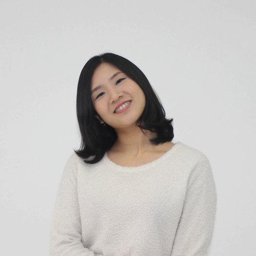 Omi Lee / 李婷玉 Web & Visual Designer 8+Experience, Shuttle GUI Designer, Akacia System Senior Designer, Focus Design Web Designer