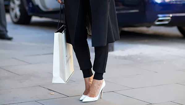 white pumps .jpg