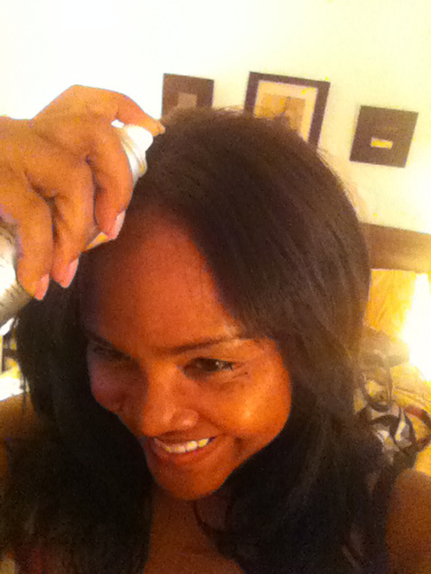 Erika-Resident Fashionista of Your Chic Is Showing trying Indique Hair Care Essential Dry Shampoo