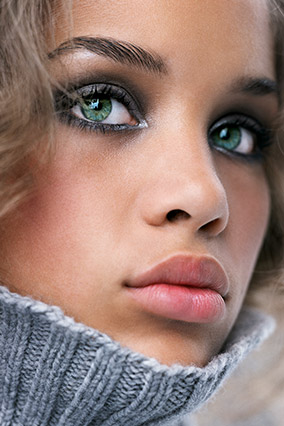 201212-omag-winter-beauty-makeup-284x426.jpg