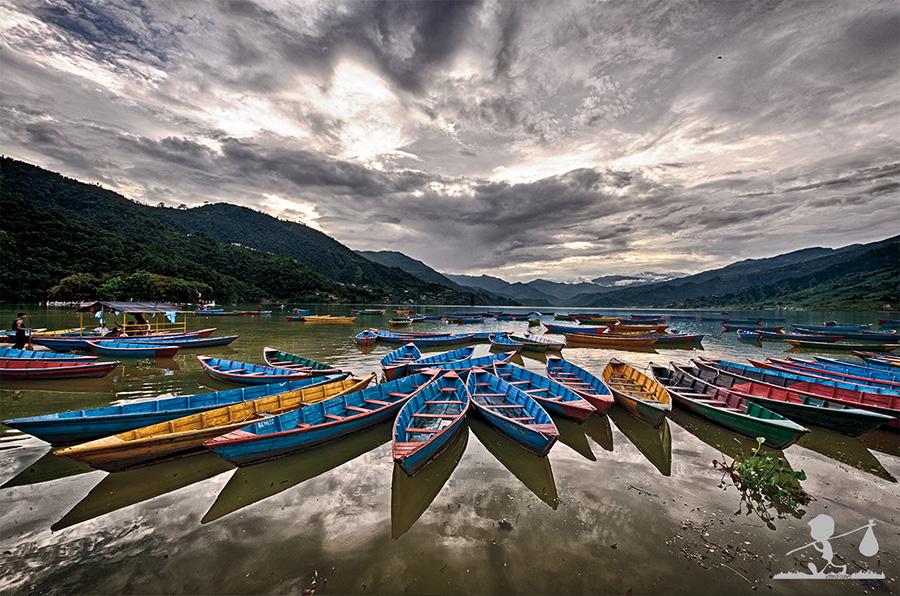 Il lago di Pokhara