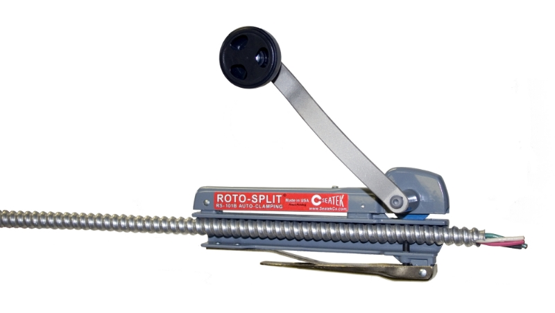 RS-101B with auto clamping adjusts to the diameter of the cable, no levers or screws to set!