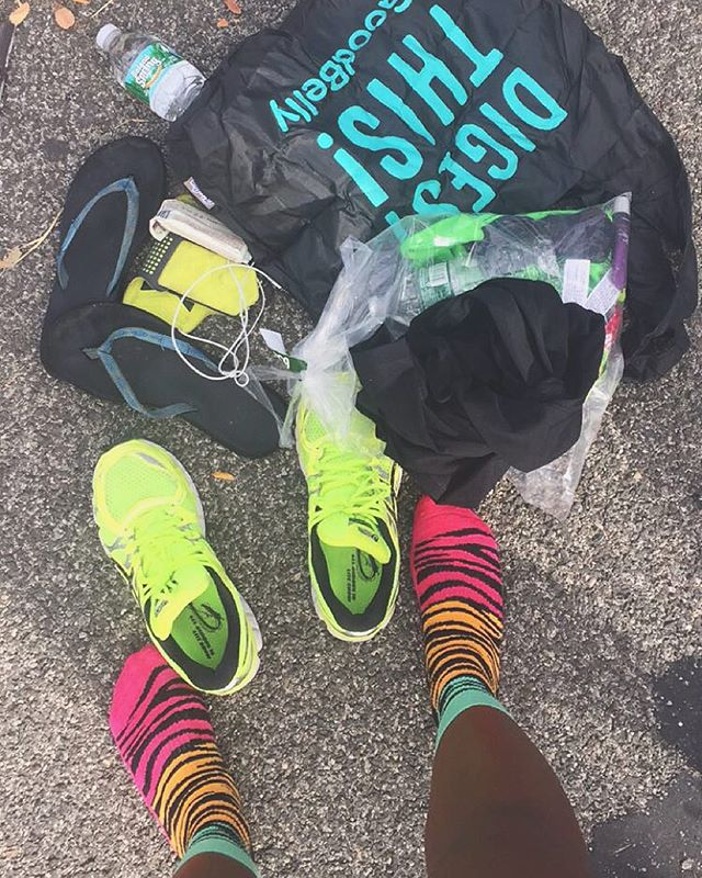 There's no better feeling than taking off your  running shoes after a race 😍 also loving my @happysocksofficial athletic socks 🙊  #bronx10mile #happysocks #asics #running #runningshoes #sundayrunday #longrun