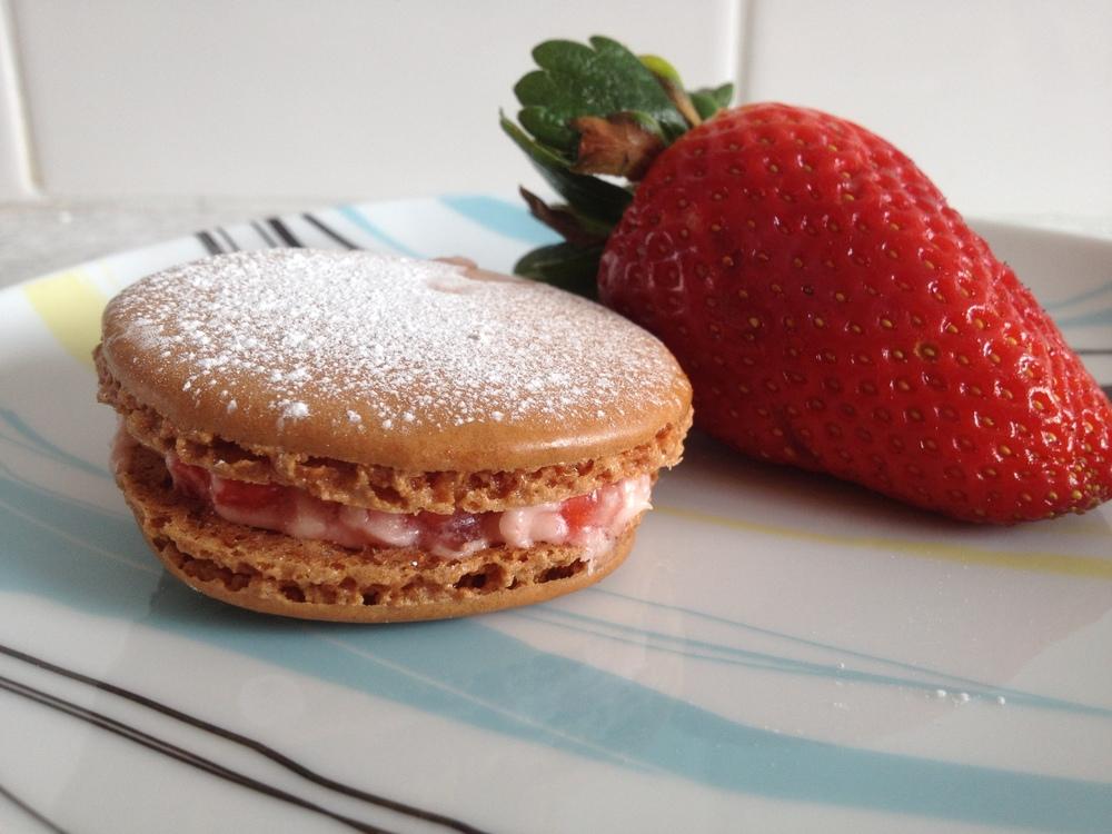 Strawberry macarons