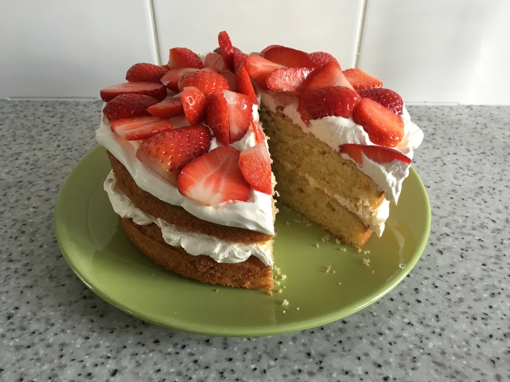 Strawberries and cream Victoria sponge