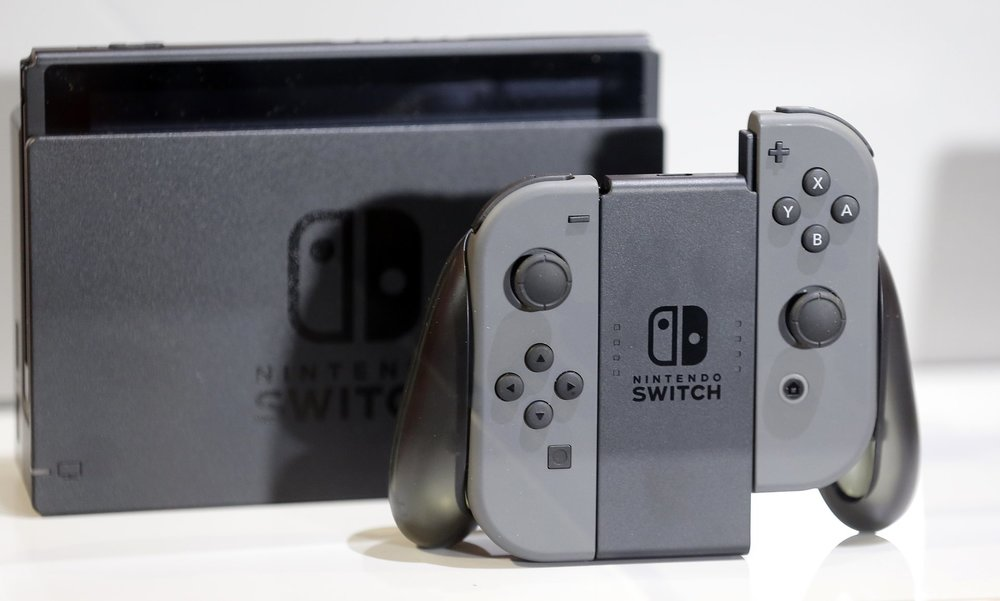 14/01/2017  Nintendo Switch: hands-on with the world's strangest games console
