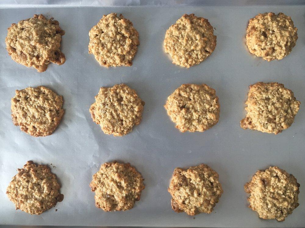Oaty apple cookies