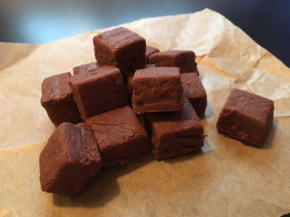 Chocolate and stem ginger fudge
