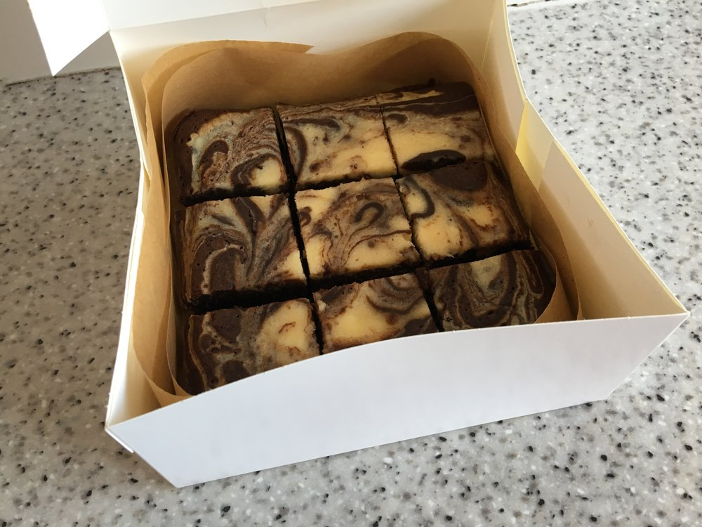 Cheesecake swirl chocolate brownies
