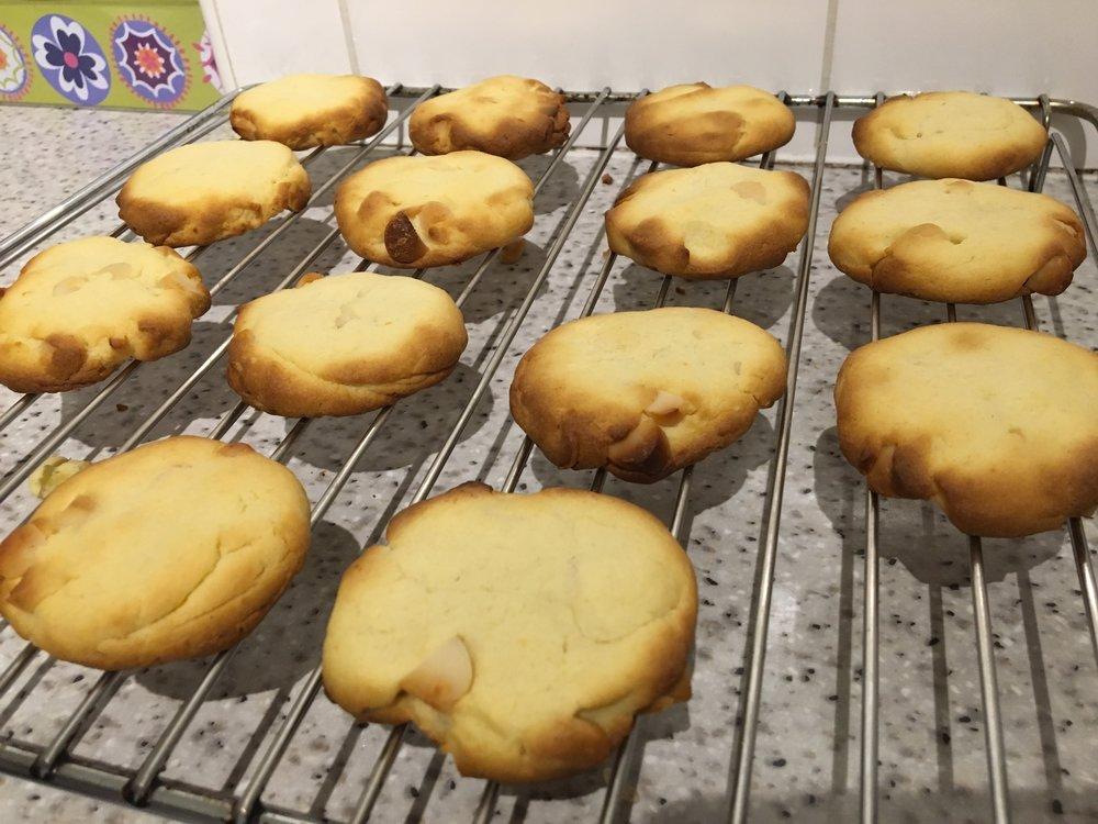 Lemon macadamia nut cookies