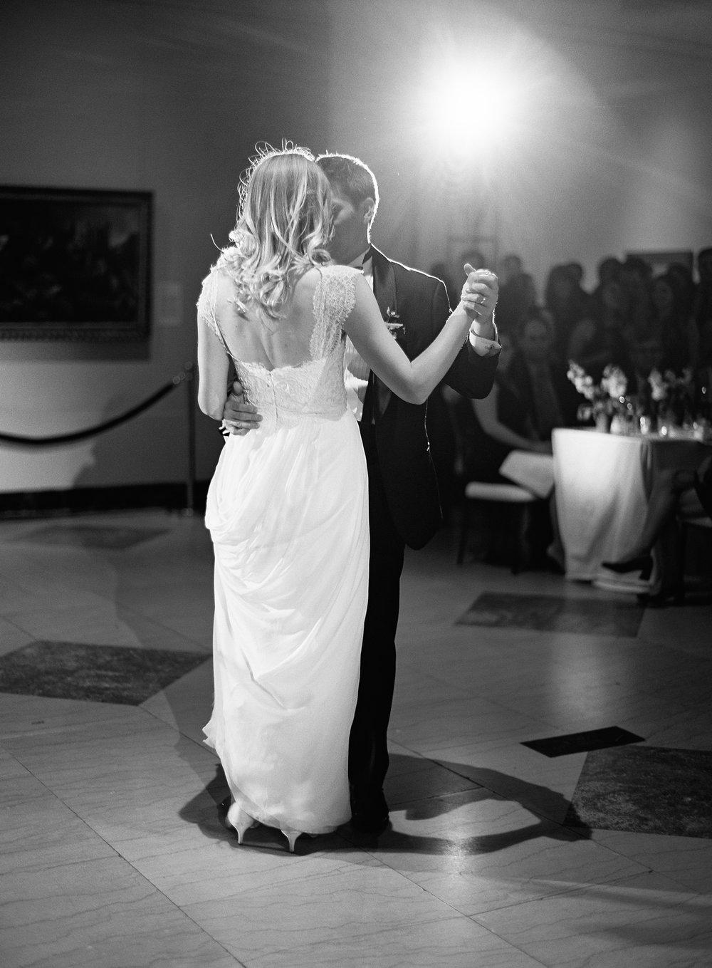 santa-barbara-museum-wedding-planner-23