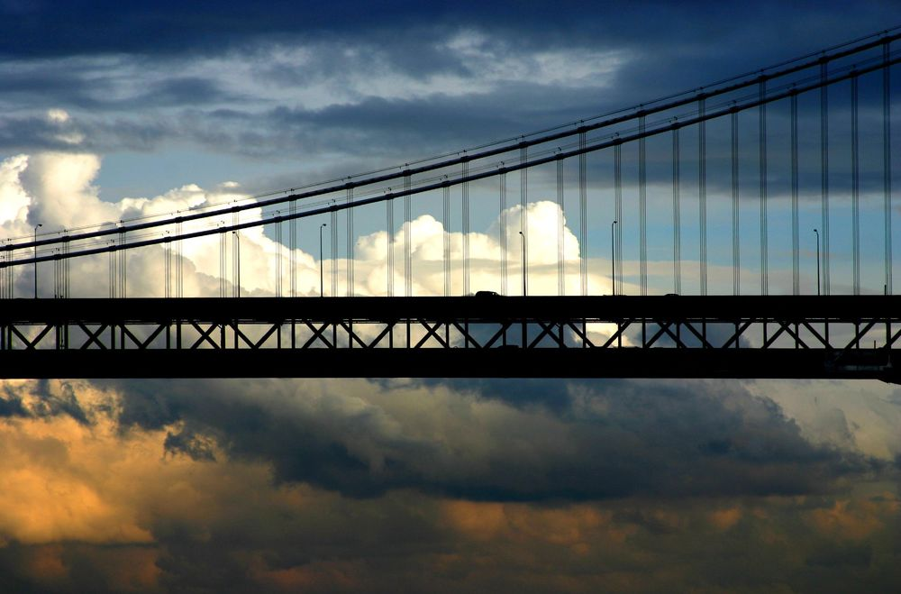 Sun_Comes_Up_Over_the_SF_Bay_Bridge thomas hawk.jpg