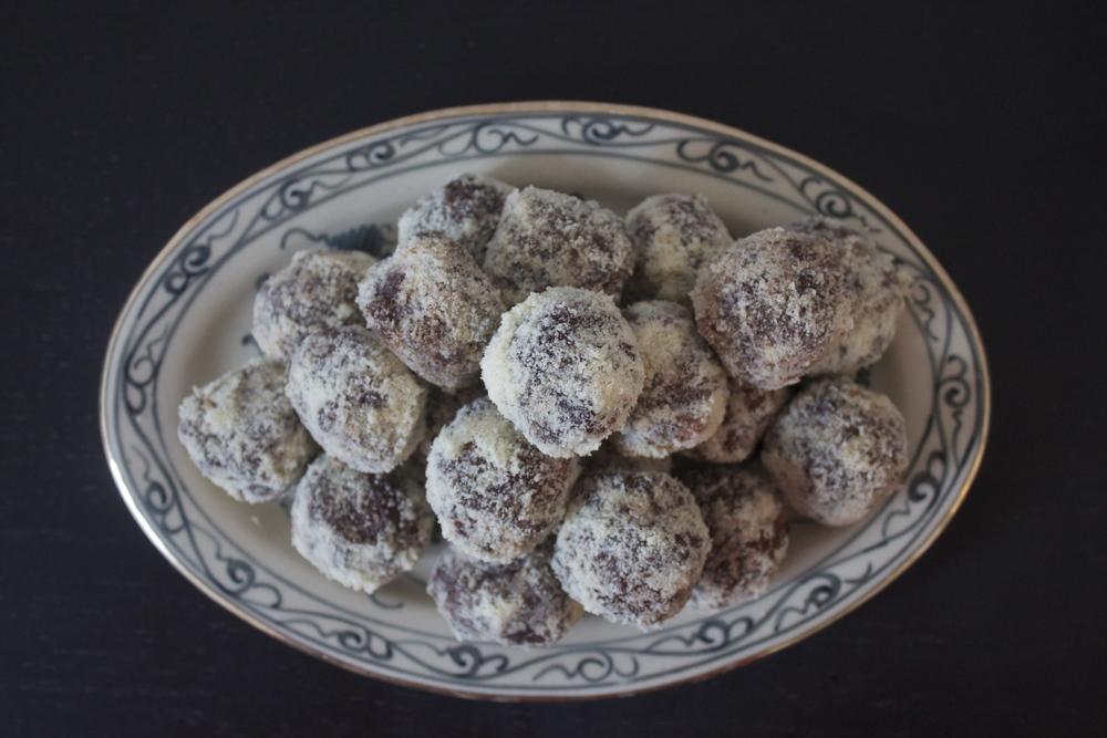 vegan and raw chocolate truffles