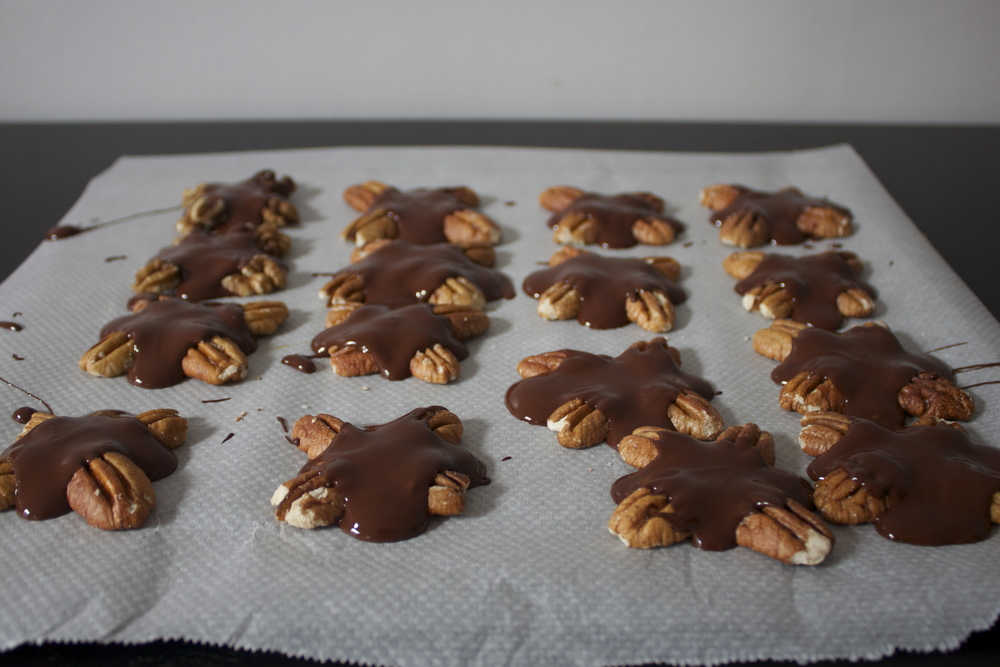 vegan caramel chocolate turtles