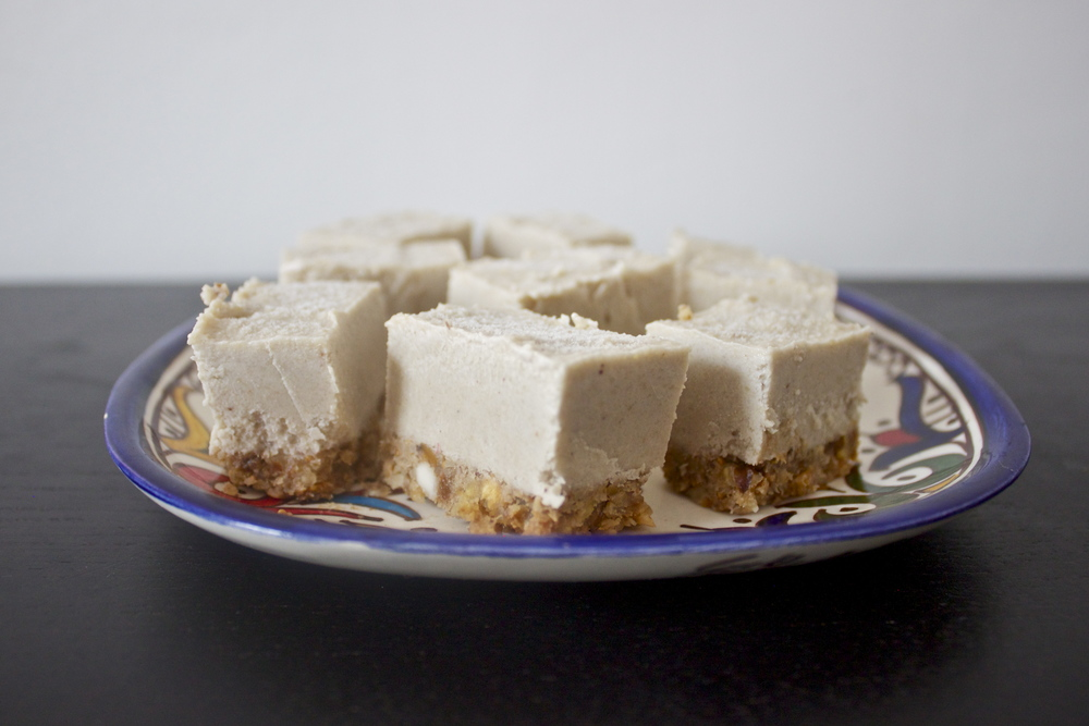 vegan maple spice cheesecake bars