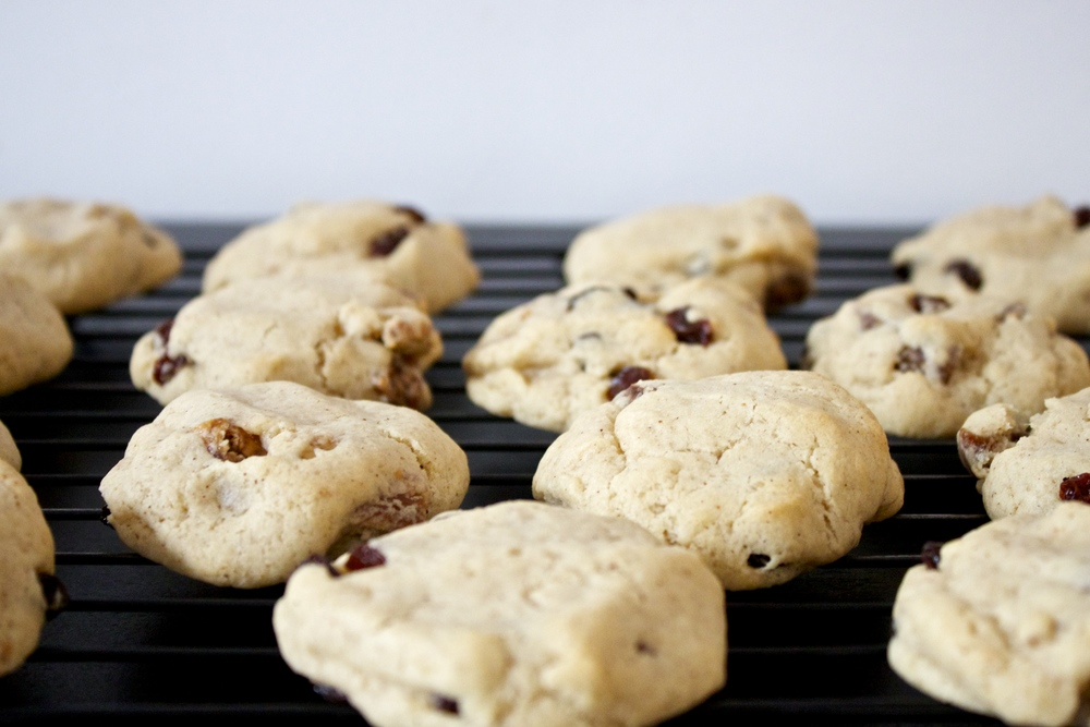 vegan fig and raisin cookies