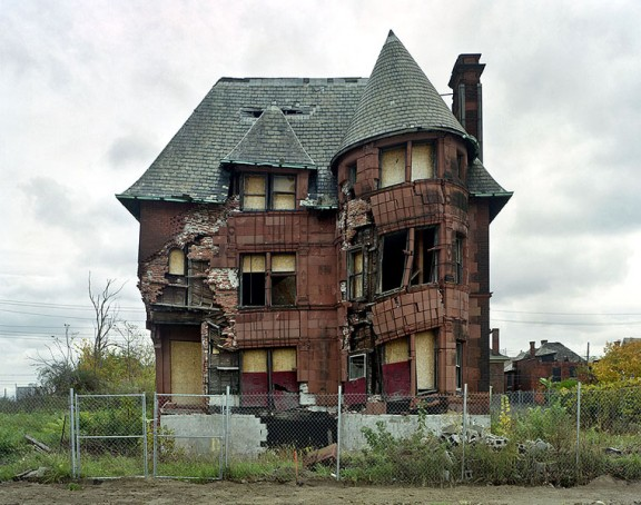 'The Ruins of Detroit' is the title of a body of work by two amazingly talented self-taught French photographers:  Yves Marchand and Romain Meffre .