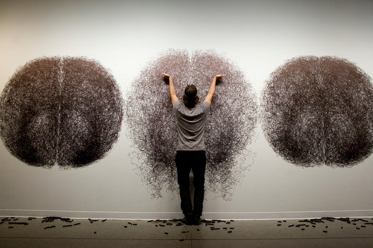 Tony Orrico  is one of my favorite new artists, his epic large-scale drawings are skill in meditation, endurance and pure geometrical beauty.