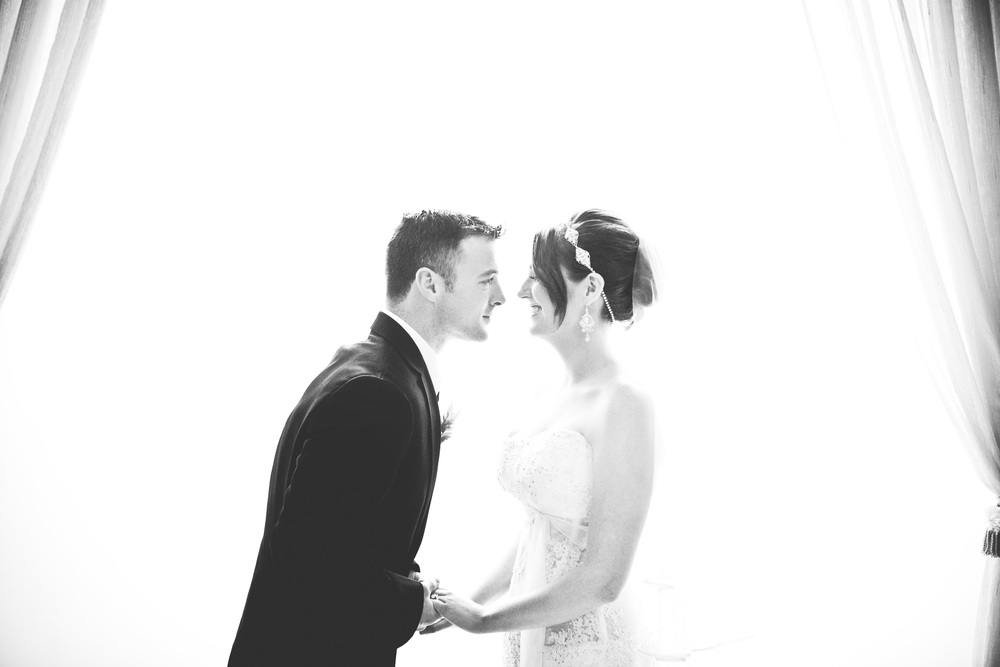black and white bride and groom at greentree country club by westchester wedding photographer