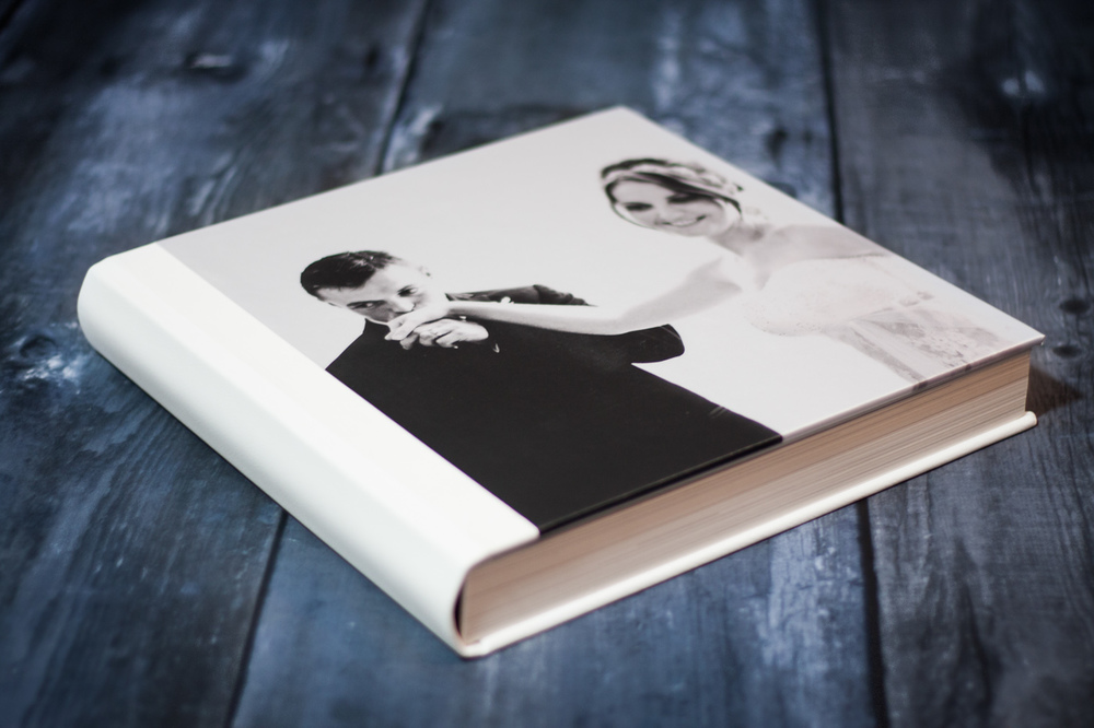 Queensberry white leather wedding album