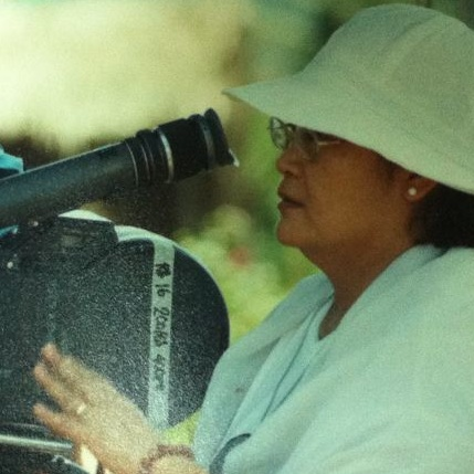 "Marilou Diaz-Abaya on location shooting for ""Bagong Buwan"""