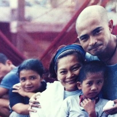 "Marilou Diaz-Abaya, Cesar Montano and the children of ""Muro Ami"""