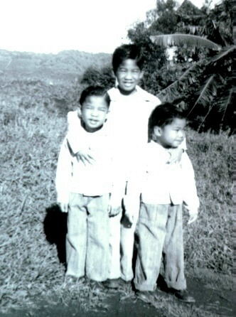 The LaCuesta boys, Wesley (center), Pete (left) and Lloyd (the author) growing up in Hawaii.  (Courtesy of Lloyd LaCuesta)