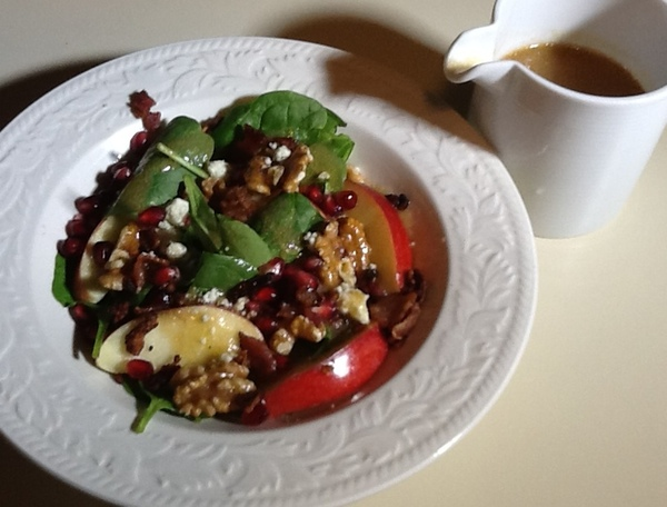Pomegranate Apple and Spinach Salad