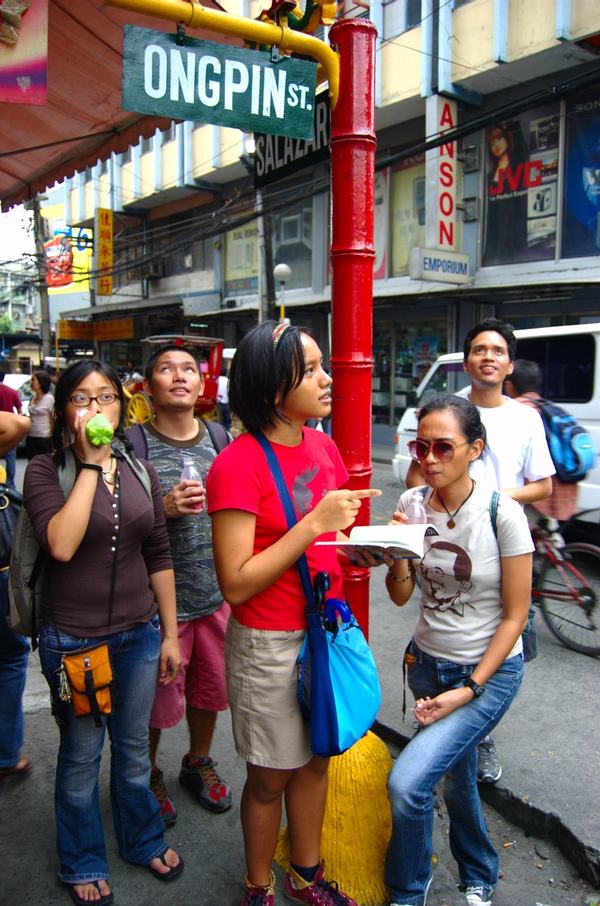 Enough food choices to last a lifetime can be found in Binondo.  (Photo by Kian Vicera)