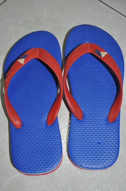 Tsinelas   (Source:  angelescityandbeyond.blogspot.com )